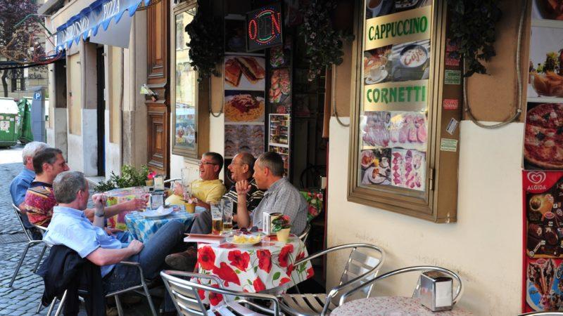 roman locals eating
