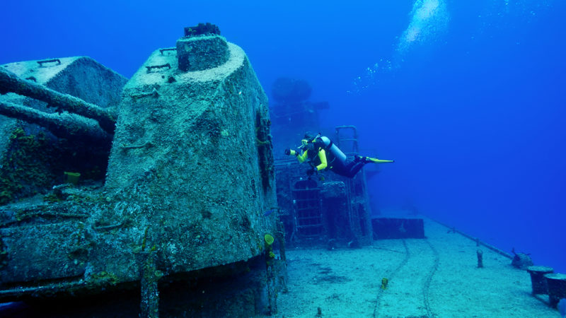 diving with wreck