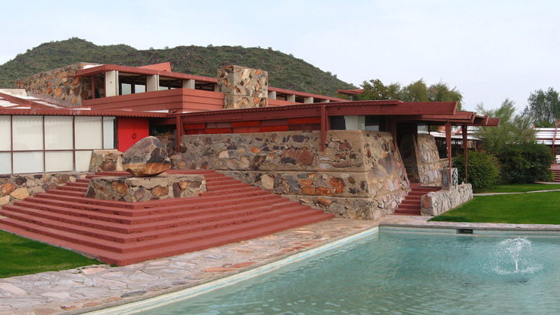 """TaliesinWest03 gobeirne"" by I, Gobeirne. Licensed under CC BY 2.5 via Commons"