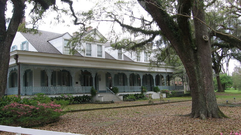 """Myrtles Plantation Louisiana"". Licensed under Public Domain via Commons."