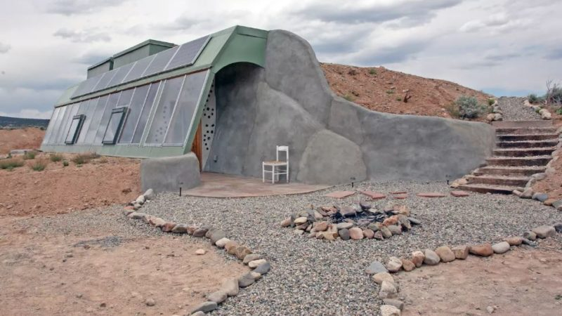 Photo by: Airbnb/Brand New Studio Earthship