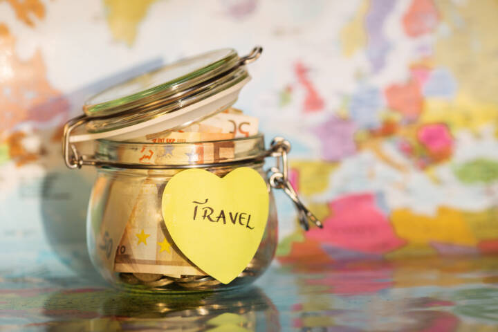 5 Easy Ways to Save Money for Your Dream Trip in 2018