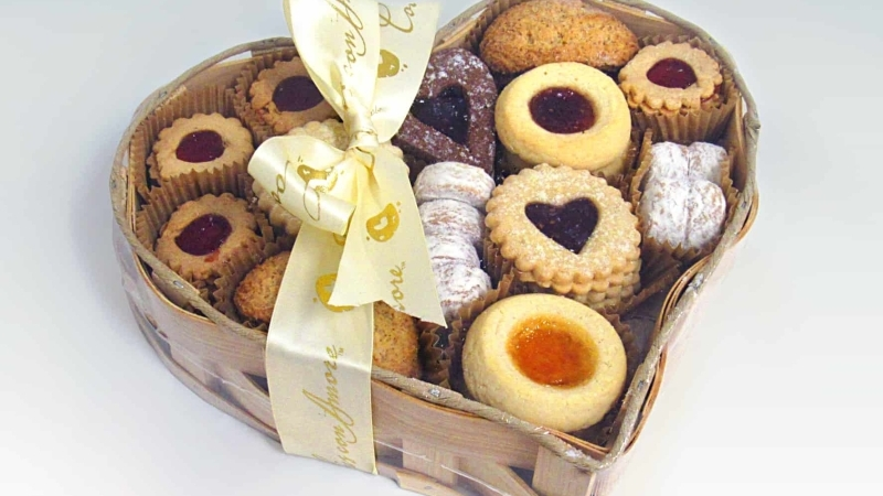 The Mother's Day Assortment from Cookies Con Amore