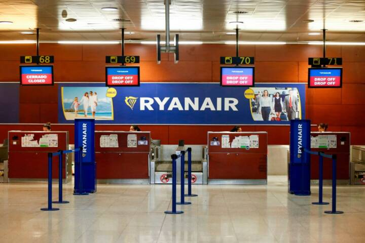 Things That Will Cost Extra When You Fly With Ryanair