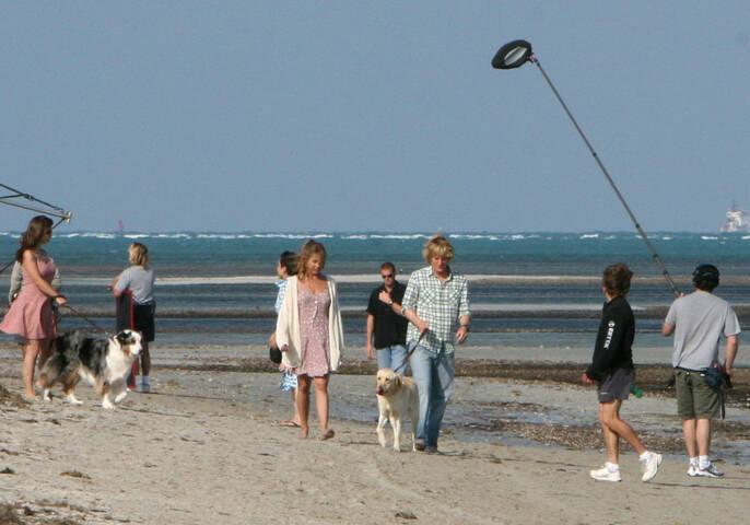 Jennifer Aniston And Owen Wilson Filming On The Beach