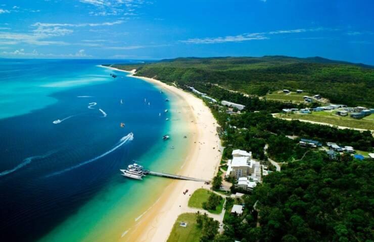 An Australian ecotourism resort at Moreton Island