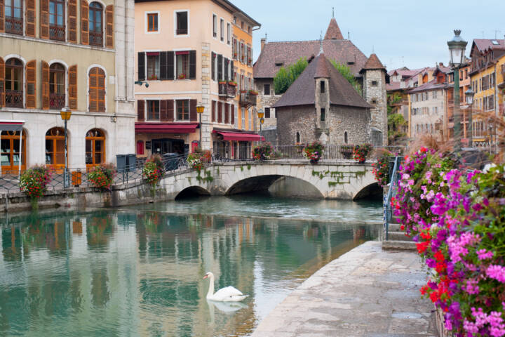 World's 9 Most Stunning Canal Cities