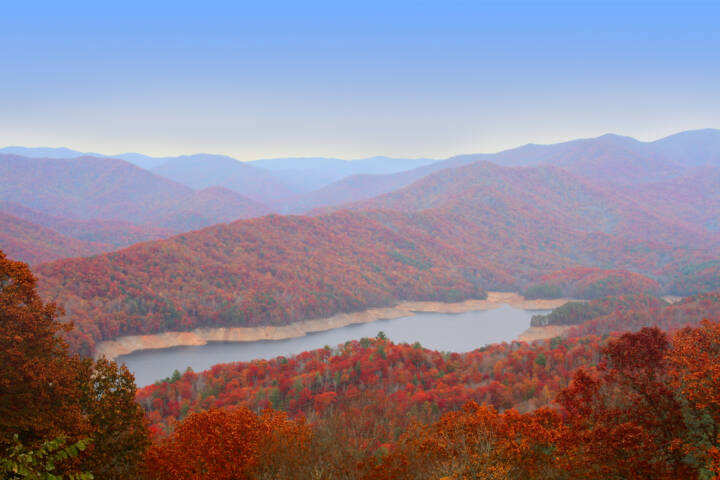 8 Best Places in the US to Watch Fall Foliage