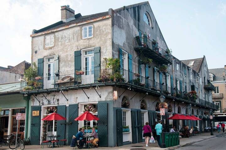 Foodie Neighborhood Spotlight: One Day on Magazine Street, New Orleans