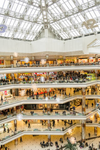 10 Most Amazing Shopping Malls in the World