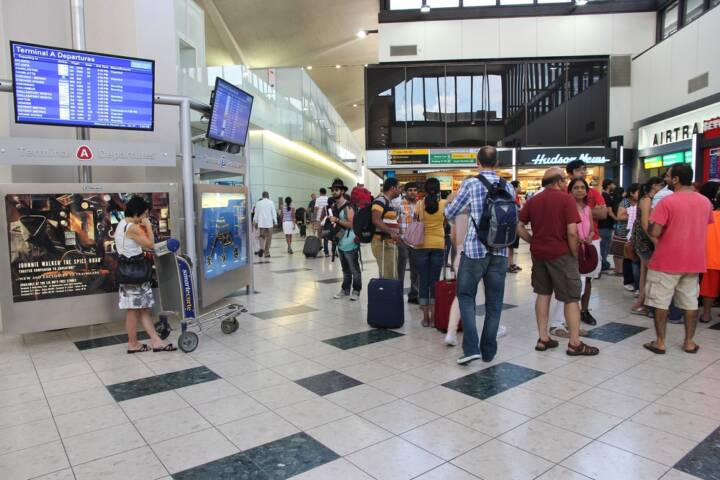 The 15 Worst Airports For a Layover