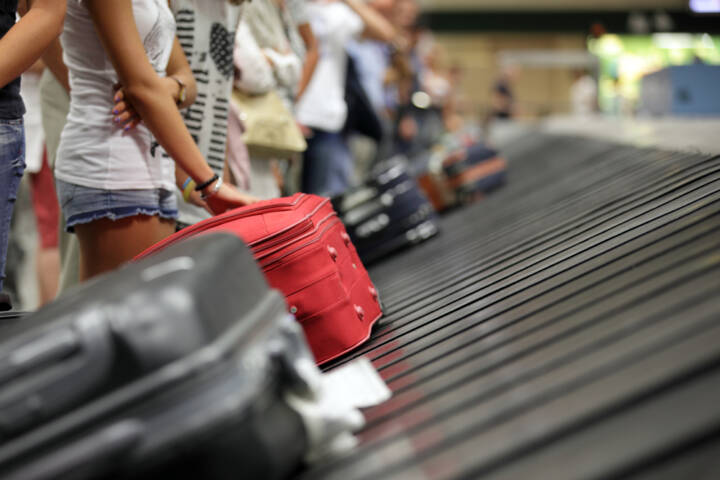 Airline Promises Luggage in '20 Minutes or Less'