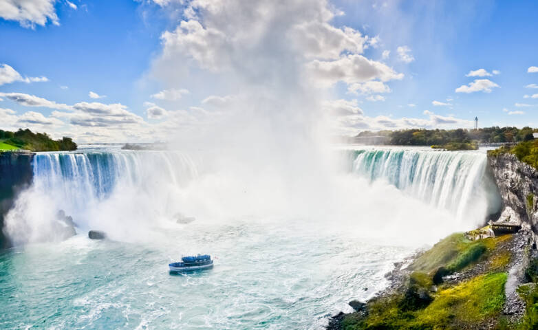 10 Canadian Attractions Every Kid Should Experience